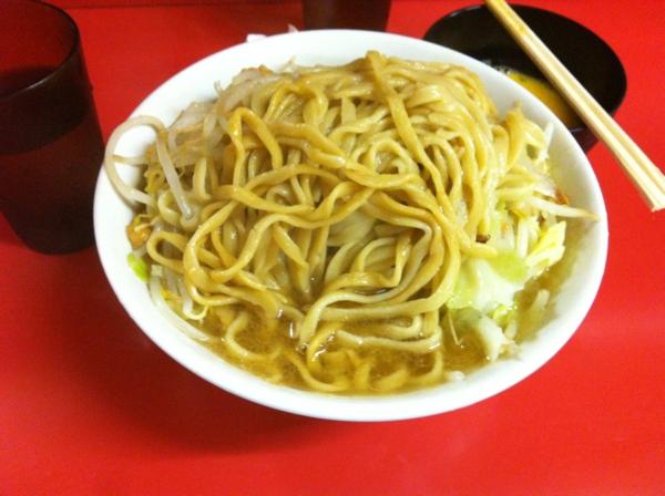 ラーメン二郎 千住大橋駅前店 ラーメン(小) ニンニクアブラ 卵 麺