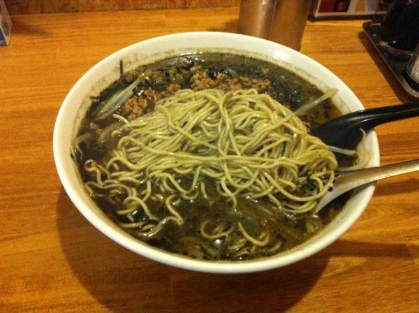 麺工房 まんがんや 坦々麺ブラック 麺
