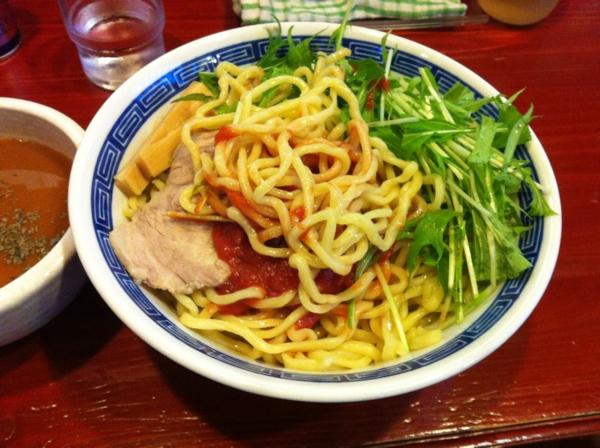 麺屋十郎兵衛 バジル香るイタリアントマトカレーつけ麺 麺