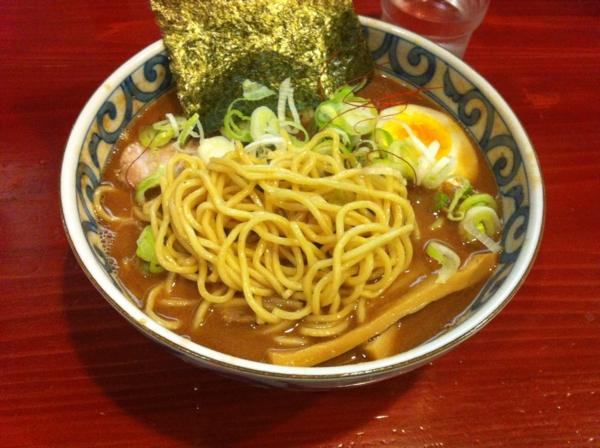 麺屋 十郎兵衛 らーめん(濃厚) 大盛り 麺