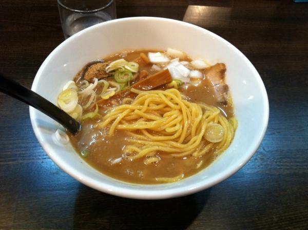 RAMEN MOSH 特濃ラーメン 麺