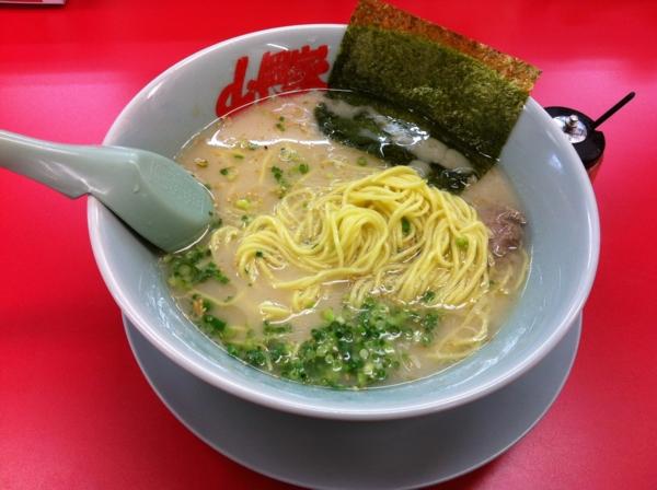 ラーメン山岡家岩手盛岡店 朝ラーメン(味濃いめ、脂多め、麺硬め) 麺