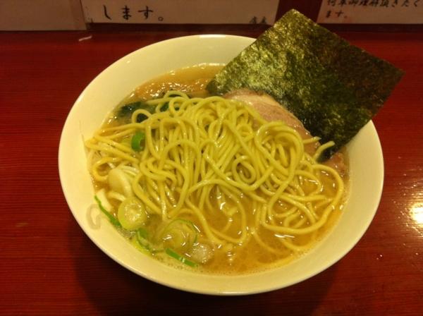 麺屋十郎兵衛 十郎家らーめん(三杯目) 麺