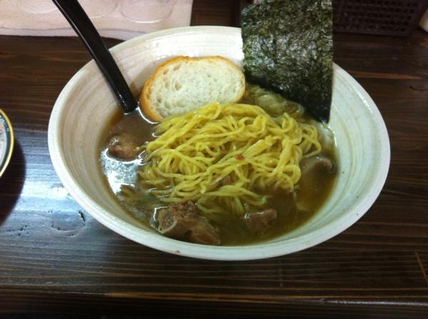 丈屋食堂 牛骨魚介系中華そば 麺