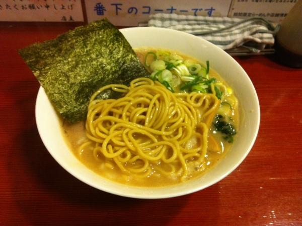 麺屋十郎兵衛 十郎家らーめん(四杯目) 麺