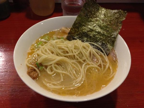 麺屋十郎兵衛(大仙市) 豚頭骨海老そば 麺