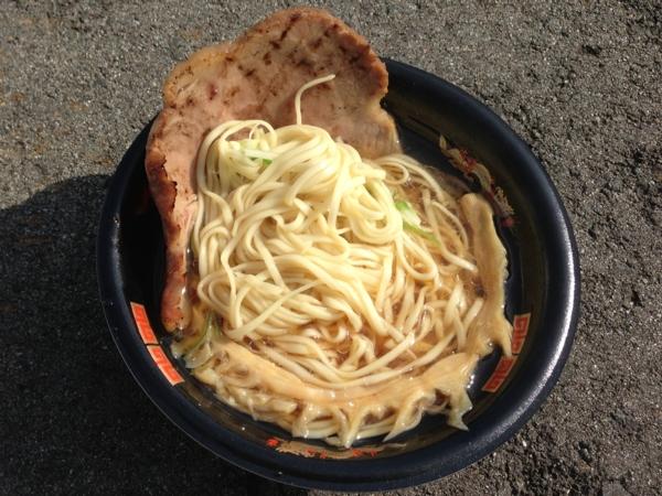 龍横健 ラーメン(正式名称不明)  麺