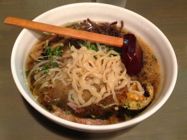 初代まるよし まるよしBLACK醤油 麺