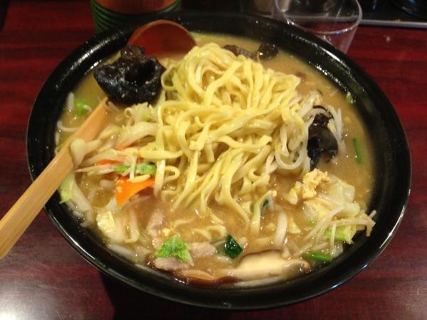 大王 特製みそタンメン 麺