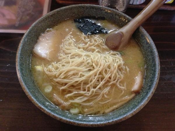 麺屋もと 味噌ラーメン(中) チャーシュー 麺
