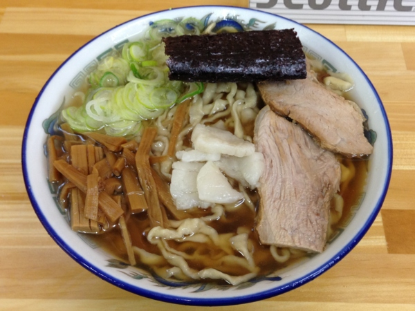 ケンちゃんラーメン秋田店 中華そば(小盛、こい口、油ぽく)