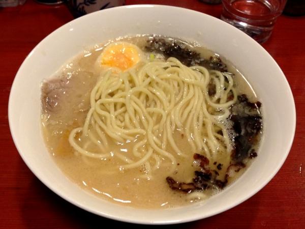 麺屋十郎兵衛 豚骨焦しネギらーめん(二杯目) 麺