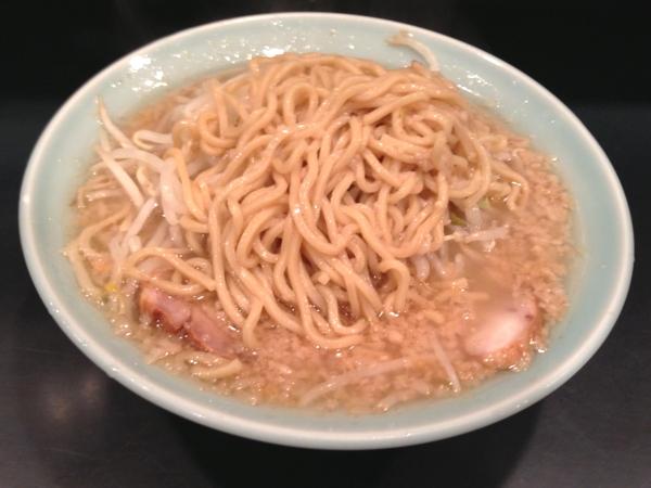 ラーメン二郎新橋店 ラーメン ニンニクアブラカラメ 麺