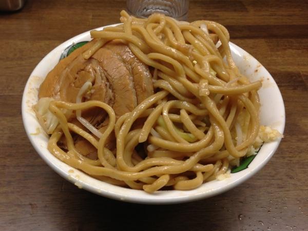 雷本店 雷豚そば(中) 麺