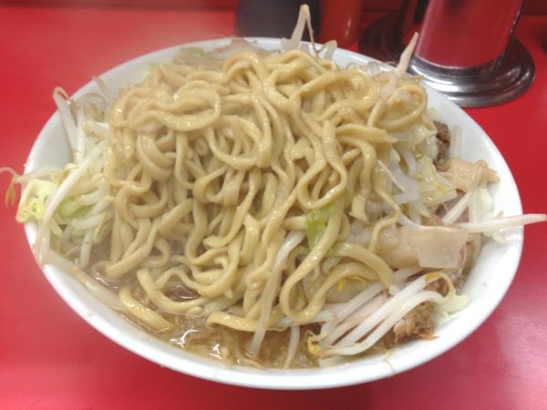 ラーメン二郎松戸駅前店 ラーメン(ニンニクアブラカラメ) 麺