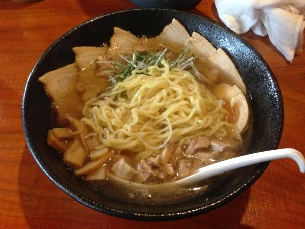 麺屋 居間人 特製しょうゆチャーシュー麺 麺