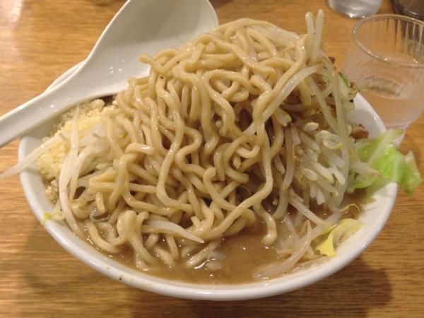 麺屋春馬 ジャンク盛り(普) ニンニク、背脂増し、味濃いめ 麺