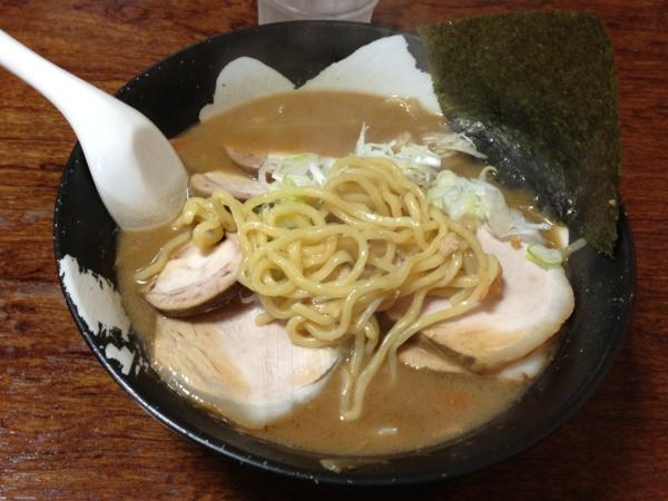 拉麺しな竹 みそチャーシューメン 麺