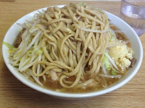 ラーメン二郎栃木街道店 ラーメン(ニンニクアブラカラメ) 麺