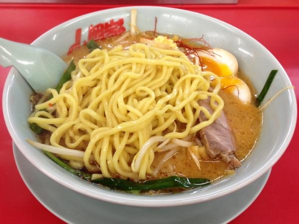 山岡家郡山店 特製もやし味噌ラーメン 麺