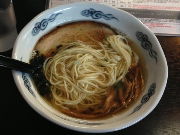 ヘルズキッチン 虹煮干麺 麺