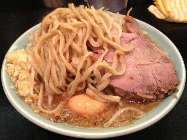 ラーメンマシンガン フライドオニオン醤油 麺