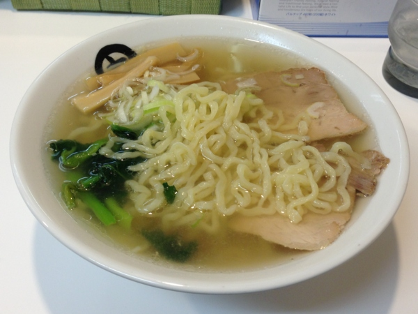 伊藤商店泉ヶ丘店 金の中華そば 麺