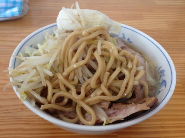 たいやき本舗藤家泉店 鯛焼きラーメン豚まし 麺