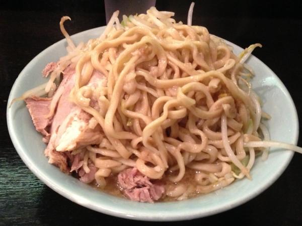 ラーメンマシンガン 醤油二型並 麺