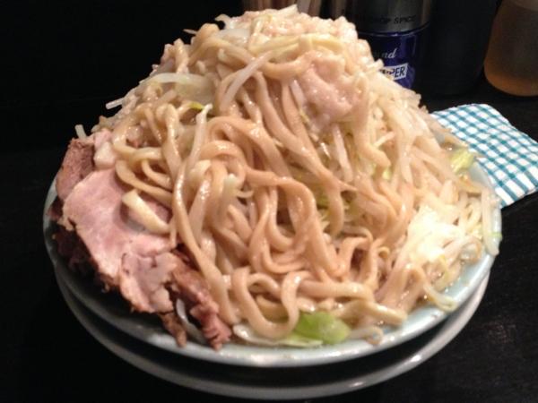 ラーメンマシンガン 醤油二型大 アブラ増し 麺