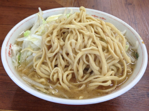 ラーメン二郎品川店 ラーメン小(普通盛) 麺