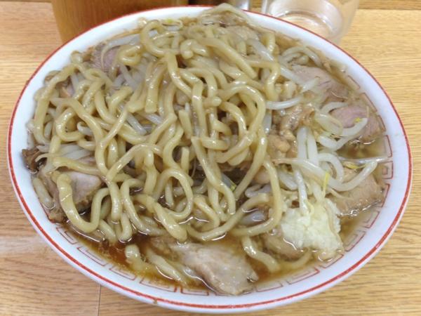 ラーメン二郎 環七新代田店 チャーシューメン(小ブタ) 麺
