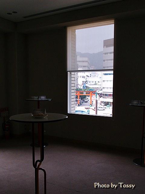 窓から生田さんの鳥居