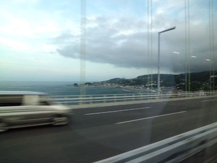 橋から淡路島