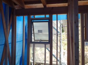 キッチン窓
