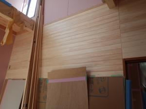 リビング羽目板壁