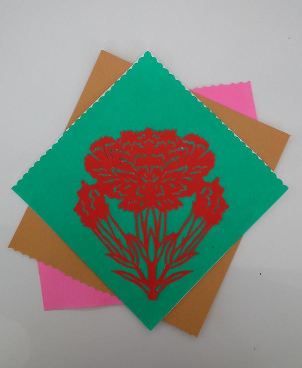 切り絵・カーネーションと藤の花 (2)