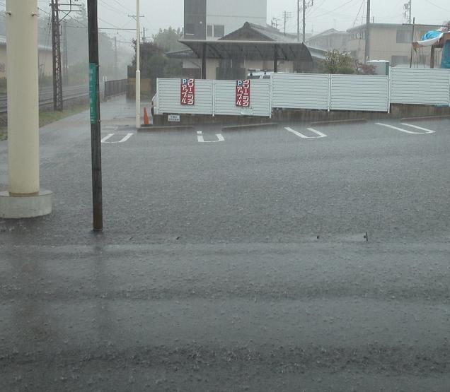急な大雨 (2)