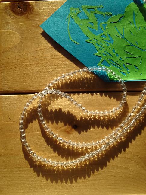 小粒水晶のロングネックレス (5)