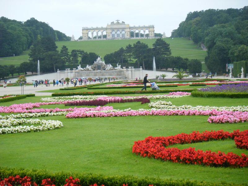 シェーンブルン宮殿庭