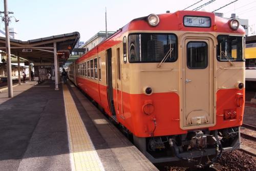 キハ48国鉄標準色_convert_20120512224539