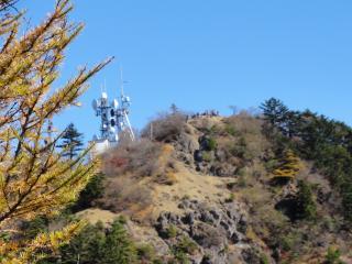 三つ峠三つ峠荘からの頂上アップ