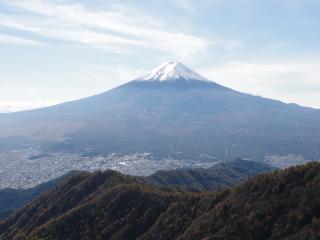 三つ峠頂上から富士
