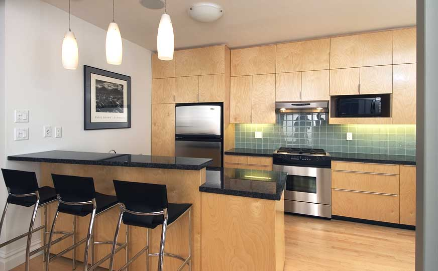 Small kitchen remodel ideas and modern kitchen renovation for Best kitchen renovation ideas