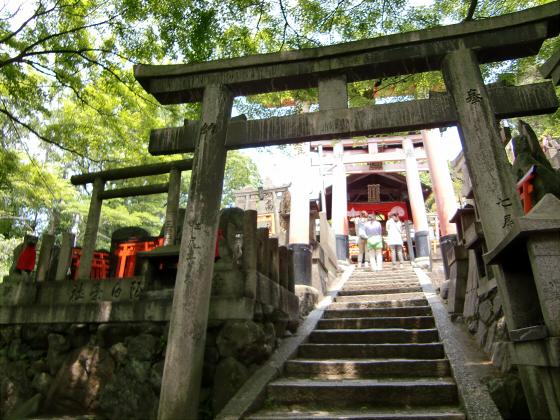 京都伏見稲荷大社で山登り15