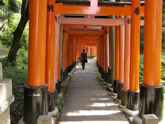京都伏見稲荷大社で山登り16