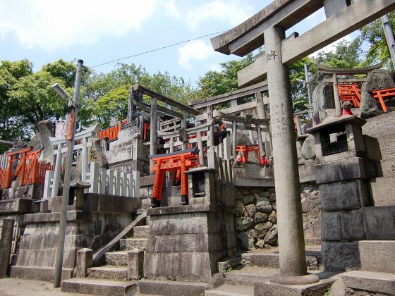京都伏見稲荷大社で山登り31