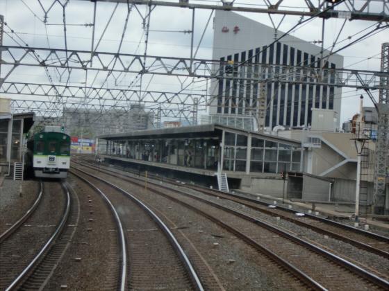 京阪電車で京都伏見へ06