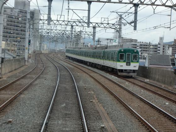 京阪電車で京都伏見へ08