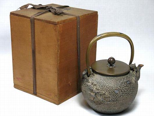 日本亀文堂 鉄瓶